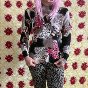 LAURA vintage 90s cow print floral grandma sweater